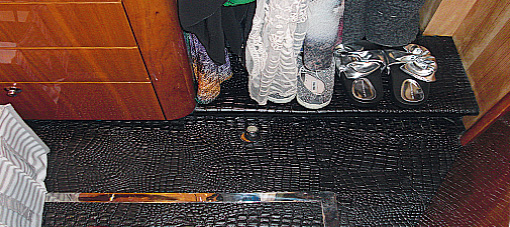 Lederen vloer en wandbekleding